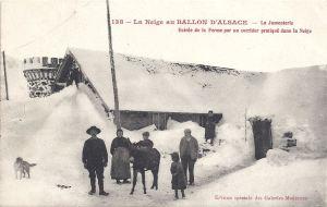 Ballon d'Alsace Jumenterie corridor to farm in snow