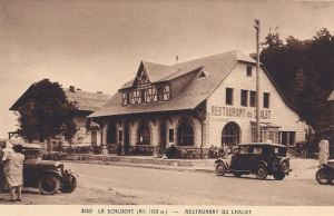 Col de la Schlucht Hotel du Chalet with people & cars