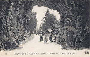 03 Col de la Schlucht tunnel with people
